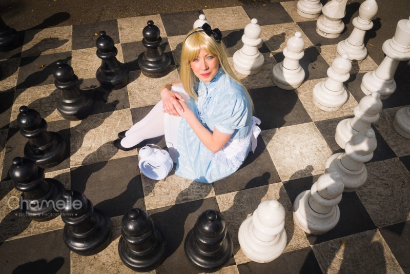 alice_in_wonderland_chess_fairytale_cosplay_by_chamellephoto-02