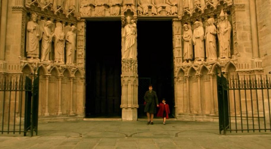 amelie-02b-screencapture-amelie-mother-notre-dame-cathedral-paris