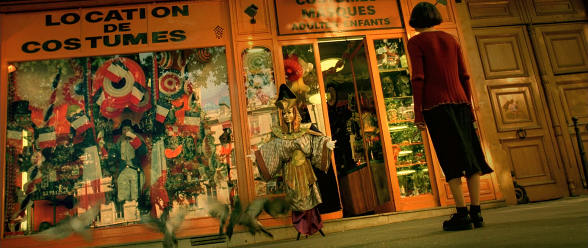 Amelie Poulain film locations Montmartre Paris France travel screenshots Jean-Pierre Jeunet