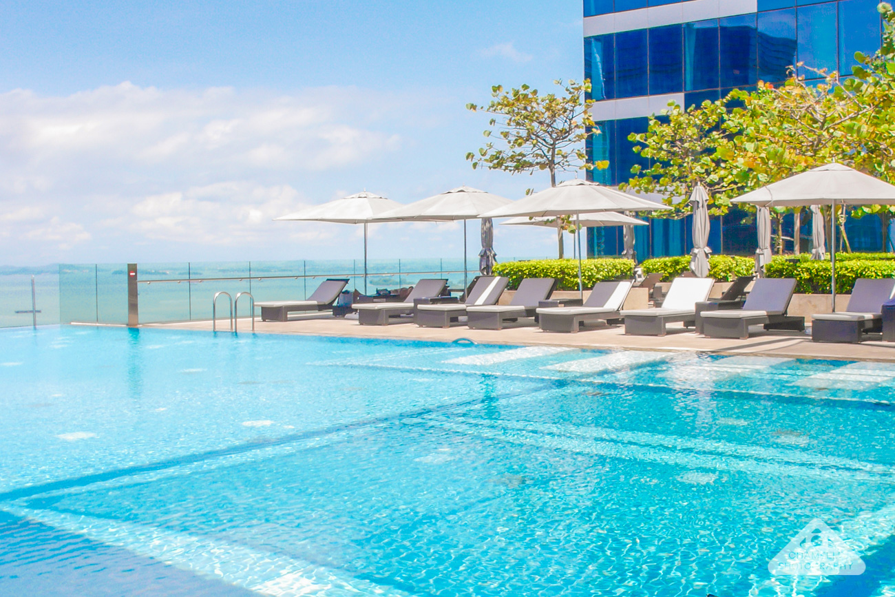 The Westin Hotel Singapore Infinity Pool travel blog Chamelle photography
