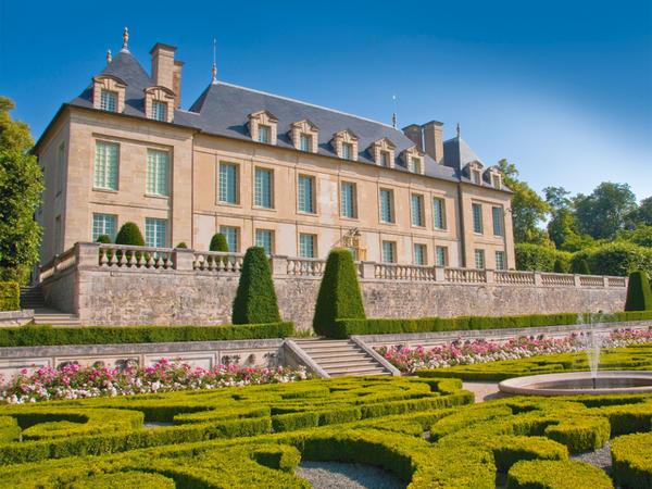 Chateau d'Auvers-sur-Oise Castle France travel blog
