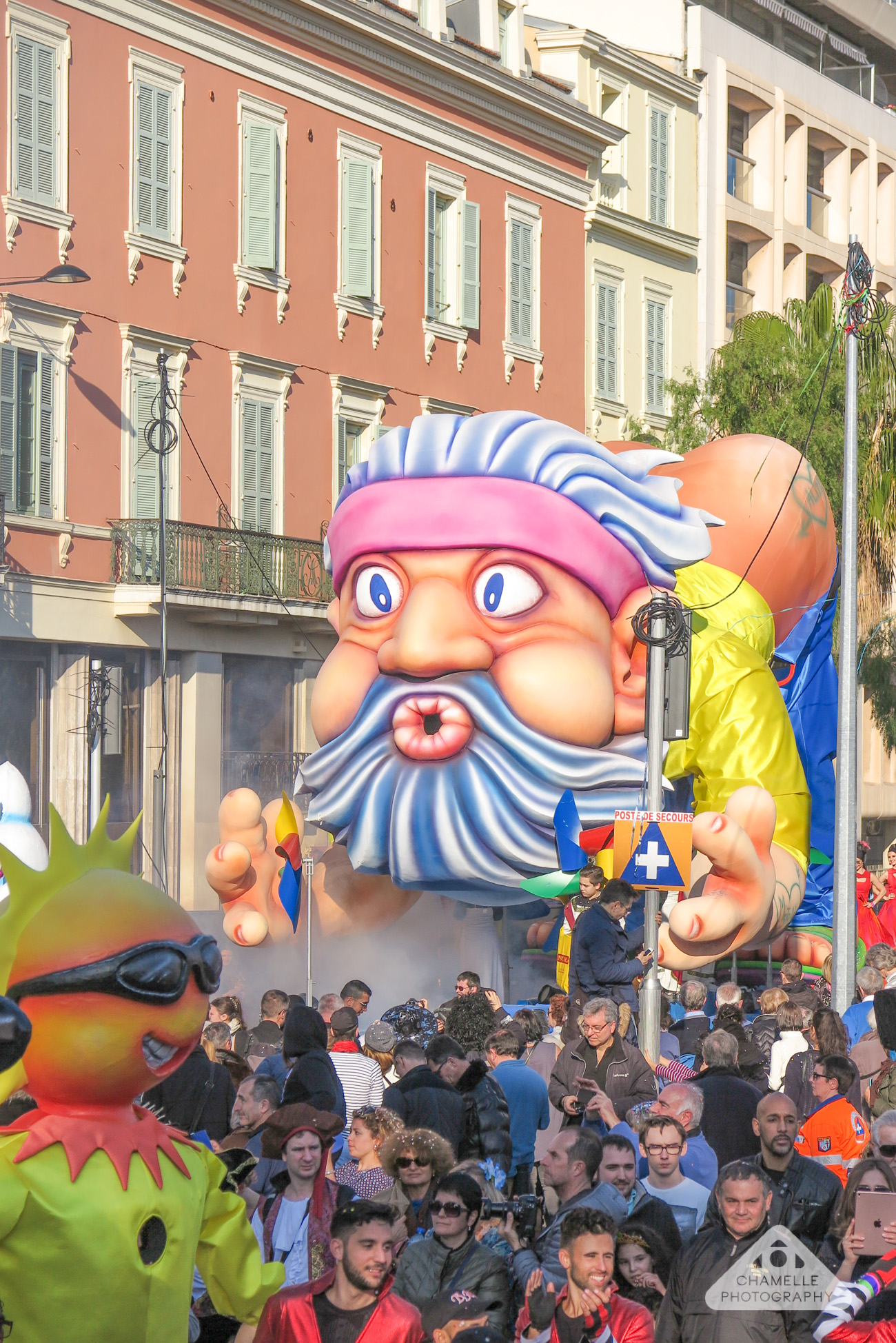 Carnaval de Nice / Nice Carnival - Corso carnavalesque - Day Carnival Parade - France - Chamelle Photography Travel Blog